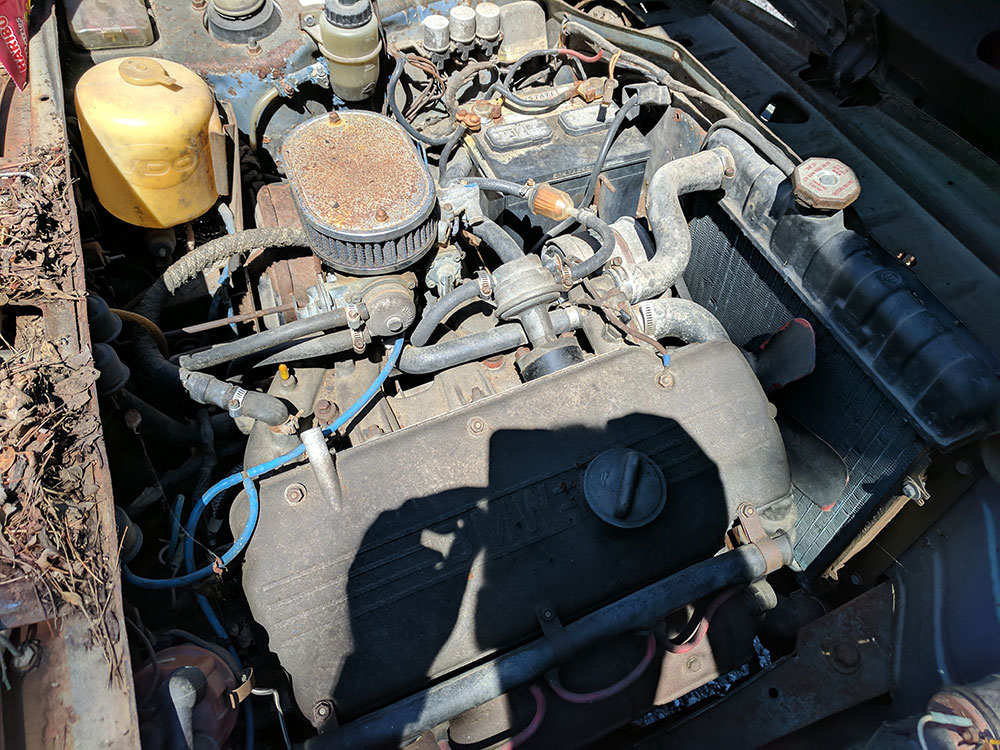 Old BMW 2002 engine M10
