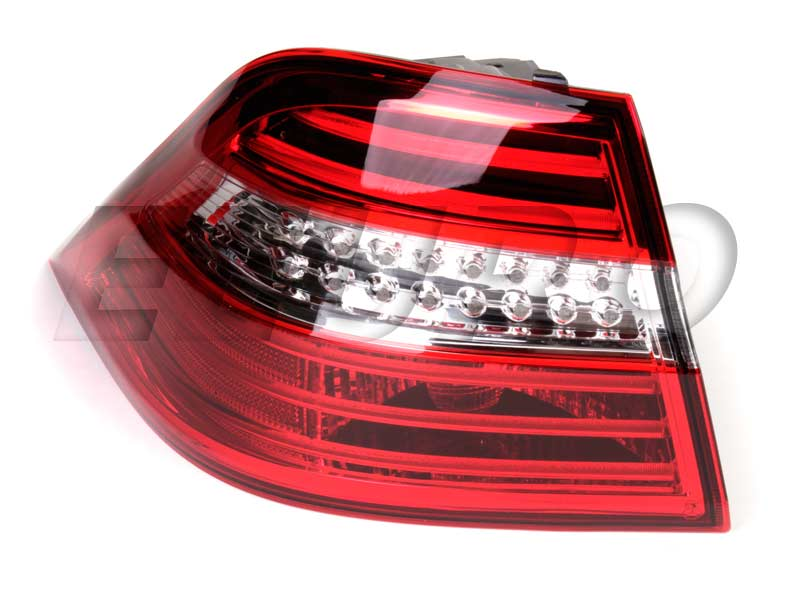 Tail Light Assembly   Driver Side 1669063501 Main Image Pictures Gallery