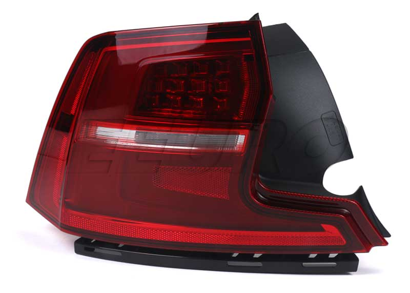Volvo Tail Light Assembly - Driver Side Outer 31698714