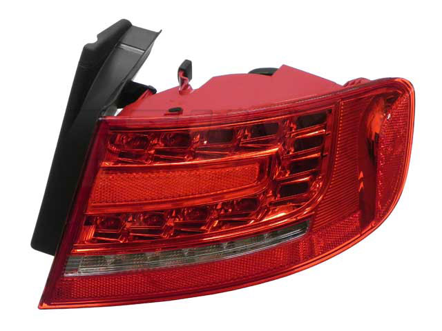 Tail Light Assembly - Passenger Side Outer 010085121 Main Image
