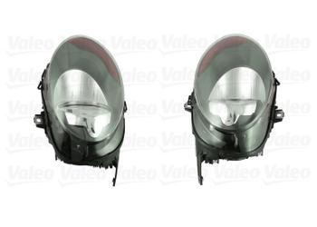 Headlight Set - Driver and Passenger Side (Halogen) 2849600KIT Main Image
