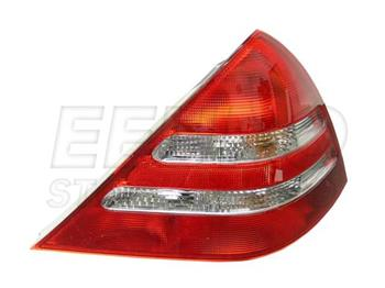 Tail Light Assembly - Passenger Side Outer 698804 Main Image