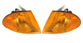 Turn Signal Light Set - Front Driver and Passenger Side (Yellow Lens) 1588616KIT Main Image