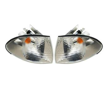Turn Signal Light Set - Front Driver and Passenger Side (White Lens) 1588879KIT Main Image