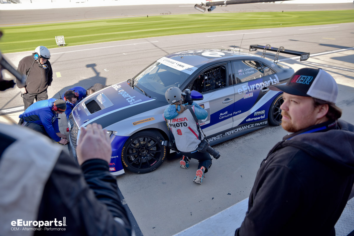 Roar before the 24 Pit Stop